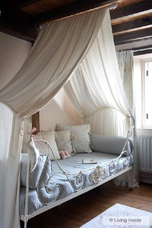 interior-bed-canopy_08