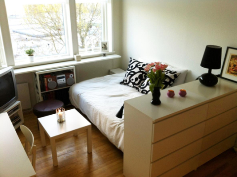 一人暮らし 女性 部屋