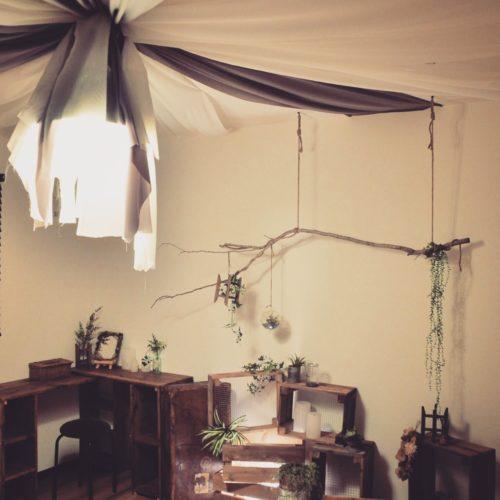 天井のインテリア9例!布や雑貨を吊るしたりぶら下げるアイデアがすごい!