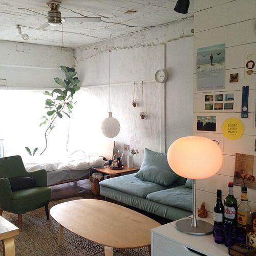 男性で、1K、のベッド/レクリント/植物/IKEA/照明/Jasper Morrison…などについてのインテリア実例を紹介。