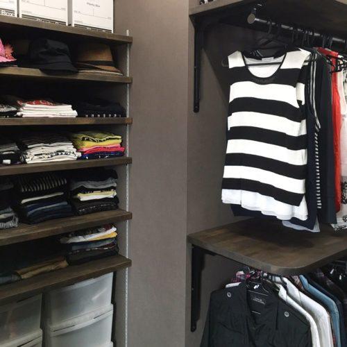 女性で、、家族住まいの洋服収納/ウォークインクローゼット/断捨離/片付け/ダークブラウン/モノトーン…などについてのインテリア実例を紹介。