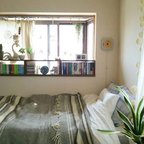 女性で、1K、一人暮らしの無印良品/本棚/窓辺/グリーン/リネン/秋…などについてのインテリア実例を紹介。