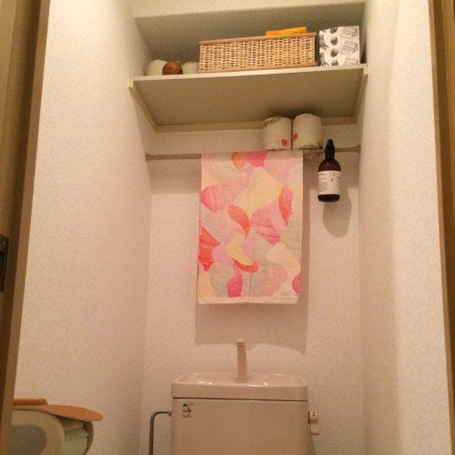 女性で、1R、一人暮らしの賃貸/一人暮らし/100均/トイレ/突っ張り棒/無印のかご…などについてのインテリア実例を紹介。