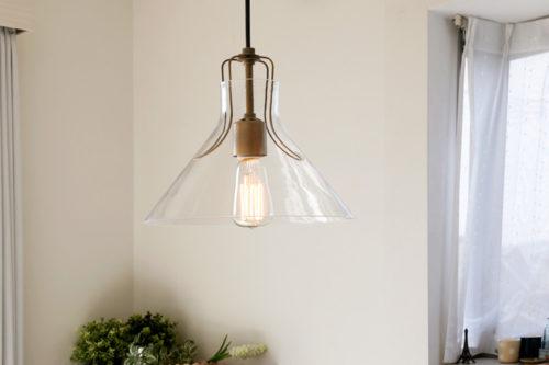 こちらはペンダントライト通販のデザイン照明の「CROIX」の照明です