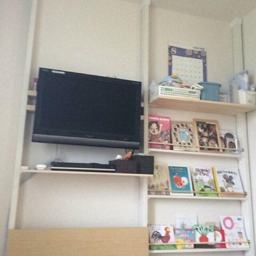 女性で、の2×4材/その3/壁掛けテレビ/DIY/14日目/テレビ台…などについてのインテリア実例を紹介。