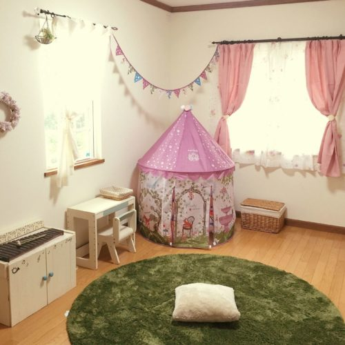 子ども部屋のカーテンの色