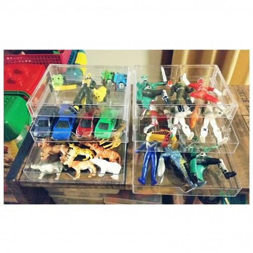 figurines-display-100_03