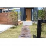 庭の目隠しは簡単にDIY出来る!おしゃれな施工例とタープ活用法