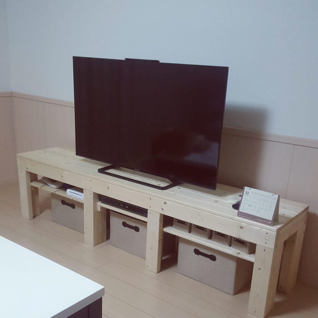 男性で、4LDKの2×4材/DIY/DIY初心者/DIY初心者です。/テレビ台/リビング…などについてのインテリア実例を紹介。