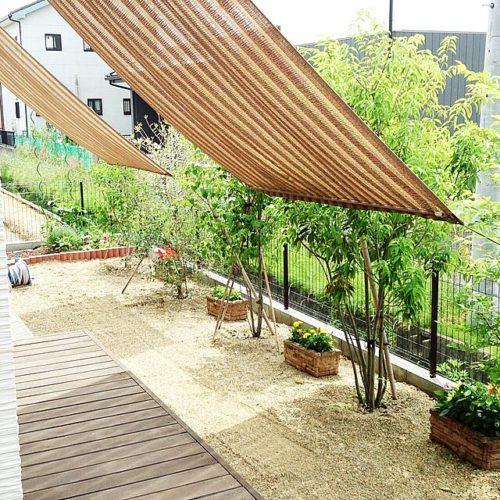 タープで庭の目隠しアイデア