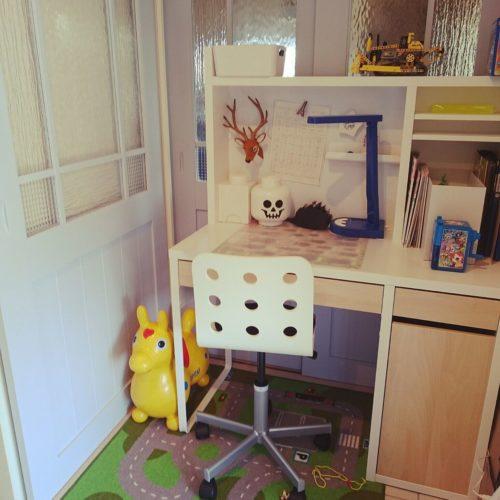 IKEA MICKEの机は色や椅子の組み合わせを楽しむ