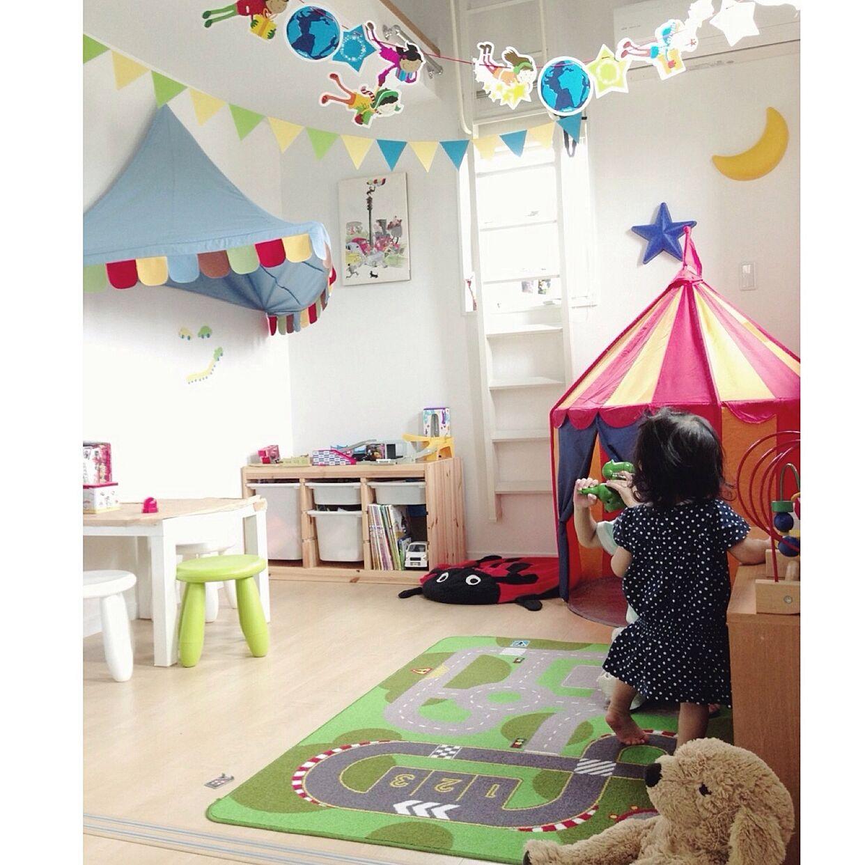 4LDKのナチュラル/子供部屋/ガーランド/子供部屋男の子/インテリア/おもちゃ…などについてのインテリア実例を紹介。