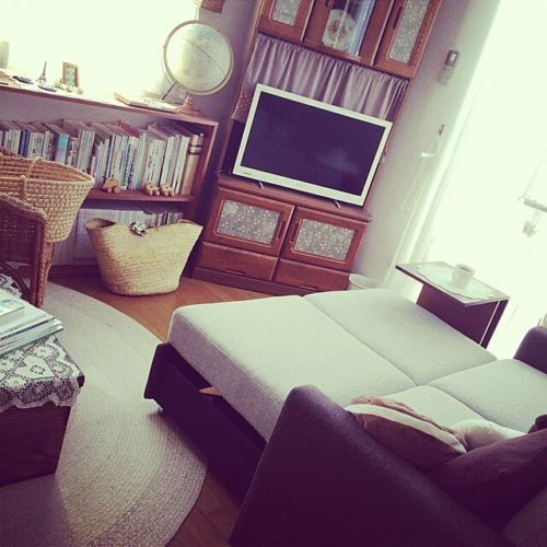 女性で、4LDKのブログに詳しく書いてます❤︎/ニトリのソファベッド/二階の第二リビング/古いもの…などについてのインテリア実例を紹介。