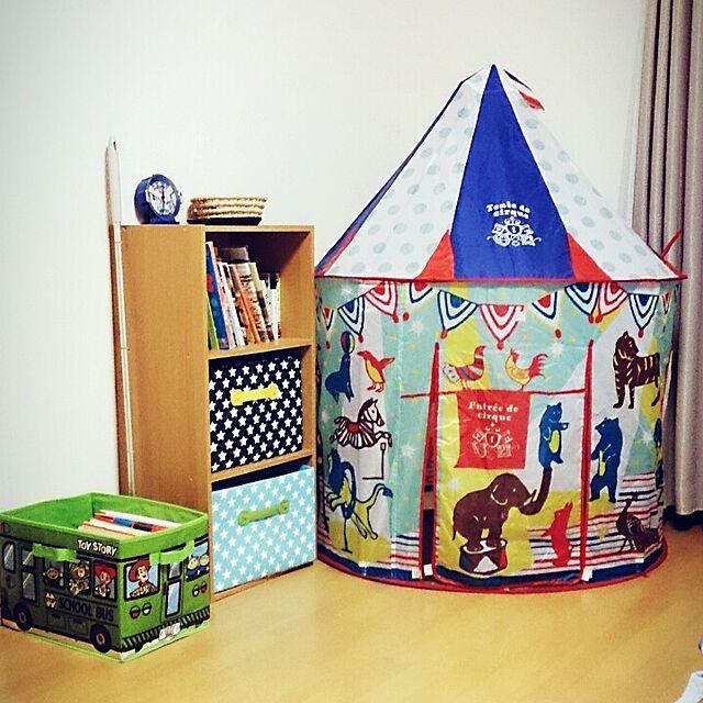 女性で、4LDKのトイストーリー♡/雑貨/収納/本棚/子供のテント/ベッド周り…などについてのインテリア実例を紹介。