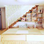 階段下収納術が凄い!棚・扉をDIYした実例やアイデア活用法