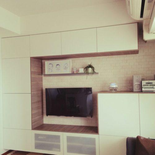 女性で、の壁面収納/壁掛けテレビ/セリア/フェイクグリーン/エコカラットの壁/IKEA…などについてのインテリア実例を紹介。