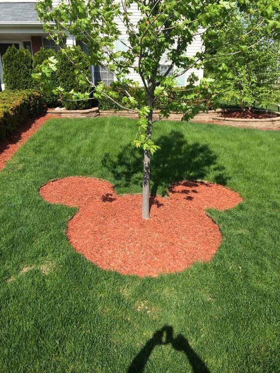 Mickey garden...I think I'll work on my backyard!: