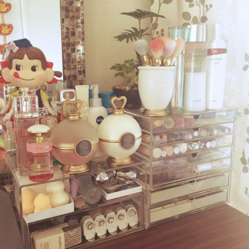 ペコちゃん付き化粧品箱