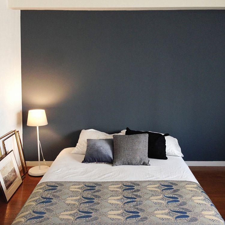 寝室の壁紙の人気色はおしゃれなグレー緑青のインテリア画像集