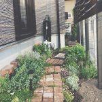 狭い庭のガーデニング例!小さい庭でもおしゃれに活用されたアイデアは?