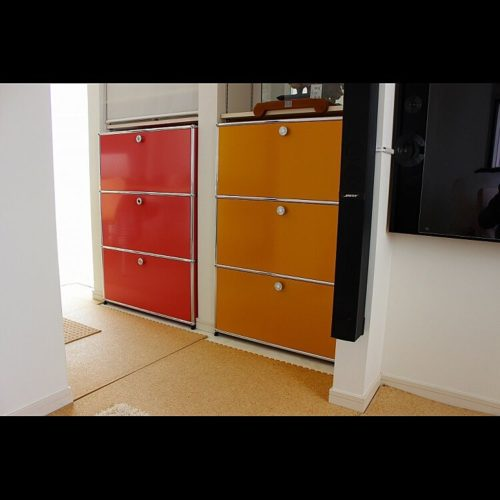 家具の色がバラバラ!統一する方法は?床と家具の組み合わせ方は?