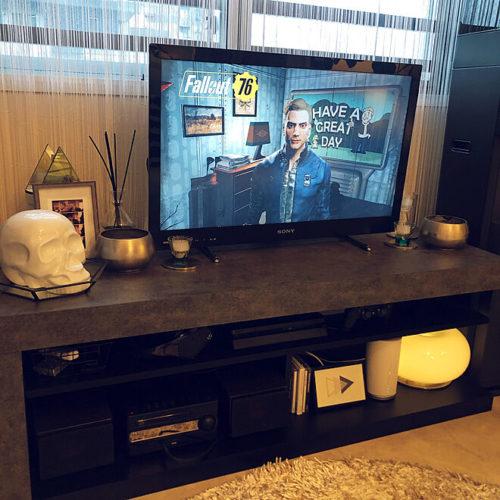 ゲーム機隠して収納TVボード