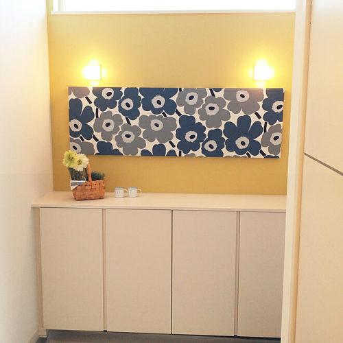 マリメッコ好きのインテリア部屋壁を飾るファブリックパネル
