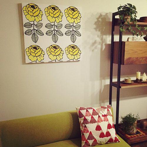 マリメッコ好きのインテリア部屋壁を飾るファブリックパネル02