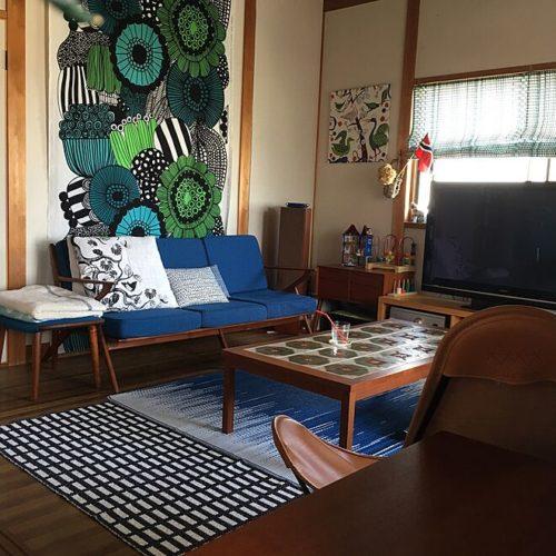 マリメッコ好きのインテリア部屋壁を飾る布