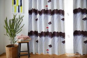 ムーミン柄のカーテン