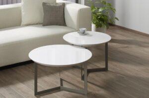 リコカツ緒原咲の実家にあるリビングのローテーブル
