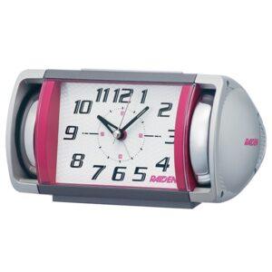 川合麻依の部屋で使われている目覚まし時計